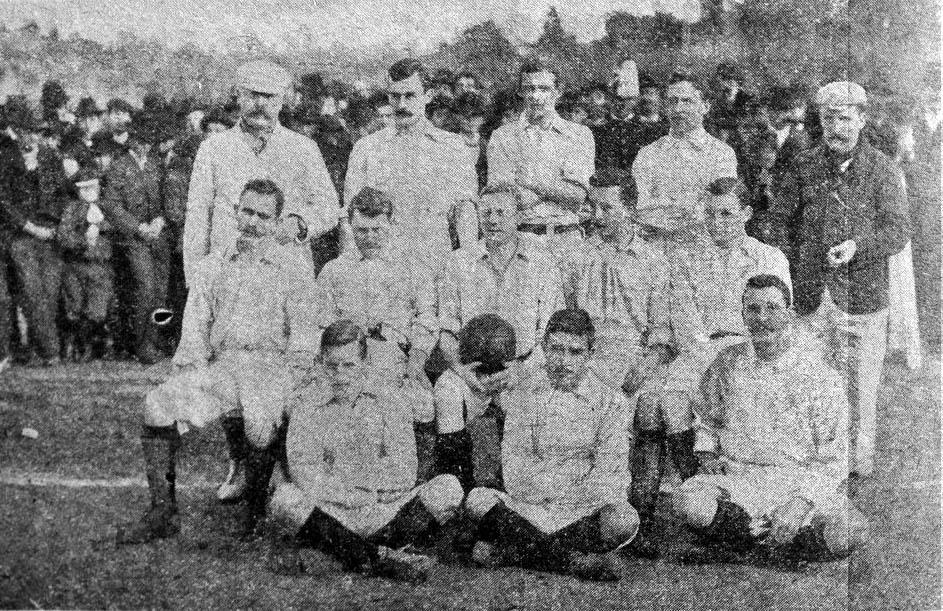 L'Albiceleste prima del suo primo incontro ufficiale contro l'Uruguay, 20 luglio 1902